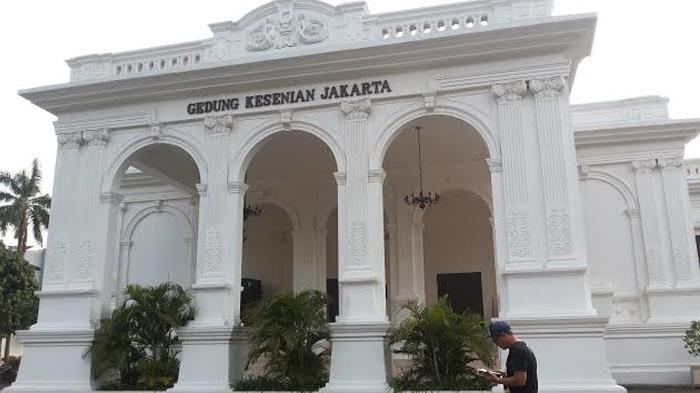 Wisata Sekitar Gedung Kesenian Jakarta